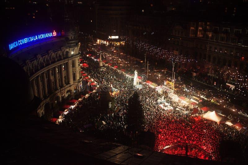 Kerstmismarkt van Boekarest van Universitatii-Vierkant stock afbeeldingen