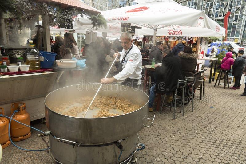 Kerstmismarkt in Zagreb, Kroatisch kapitaal stock fotografie