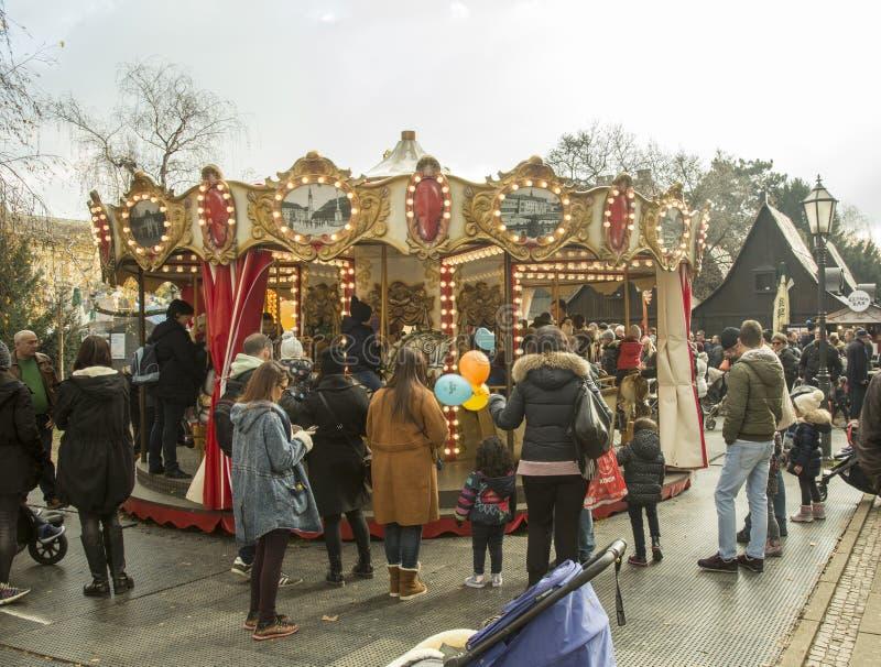 Kerstmismarkt in Zagreb, Kroatisch kapitaal stock afbeeldingen