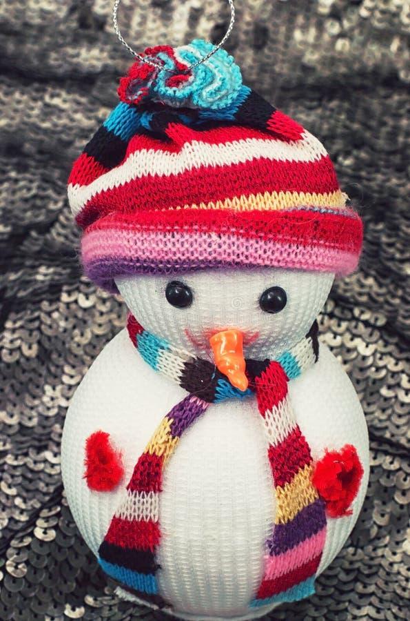 Kerstmisornamenten aan de de wintervakantie stock foto's