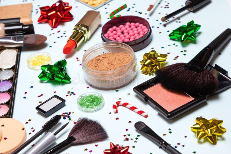 Kerstmispartij het glinsteren make-up, heldere Nieuwjaarsamenstelling royalty-vrije stock afbeeldingen