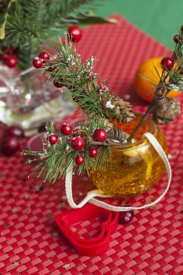 Kerstmissamenstelling op de lijst stock afbeelding