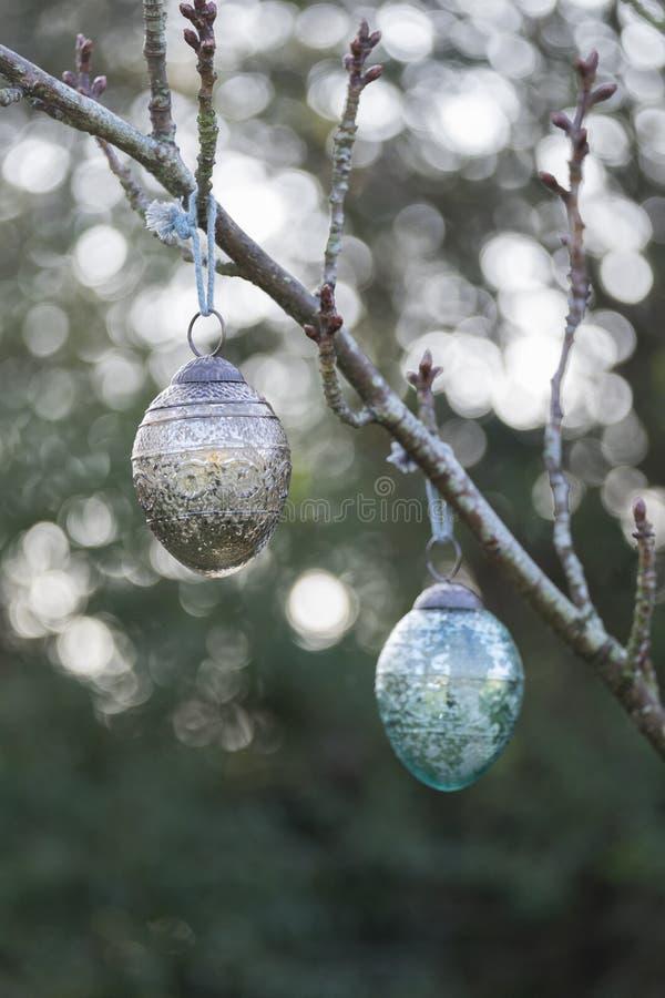Kerstmissnuisterij die buiten hangen royalty-vrije stock foto's