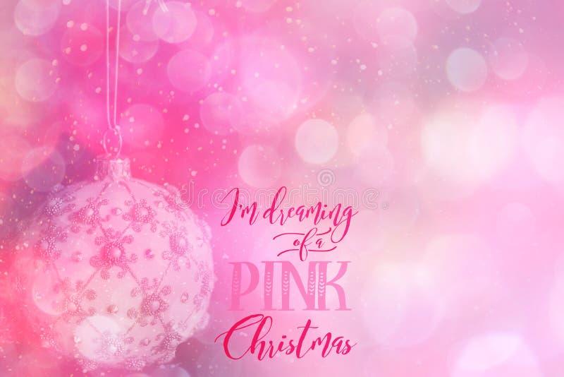 Kerstmissnuisterij en roze abstracte achtergrond stock afbeeldingen