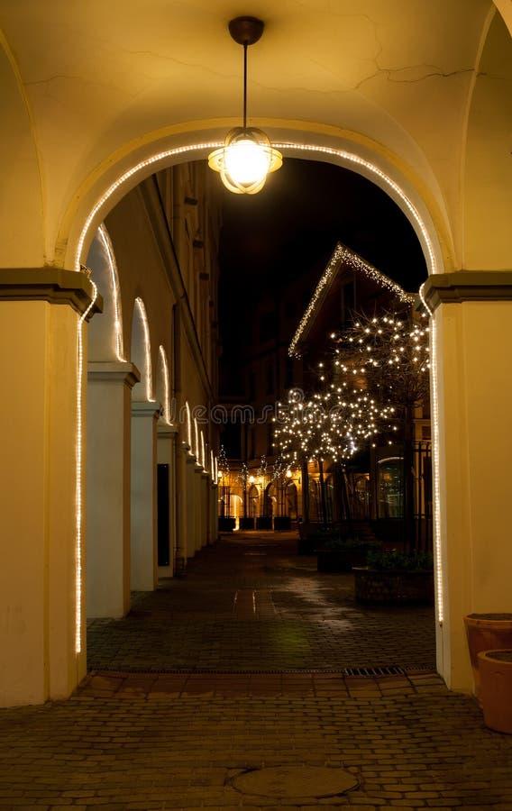 Kerstmistijd van de nachtscène stock afbeelding