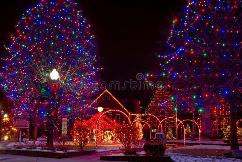 Kerstmisvertoning van het dorpslagerhuis royalty-vrije stock afbeelding