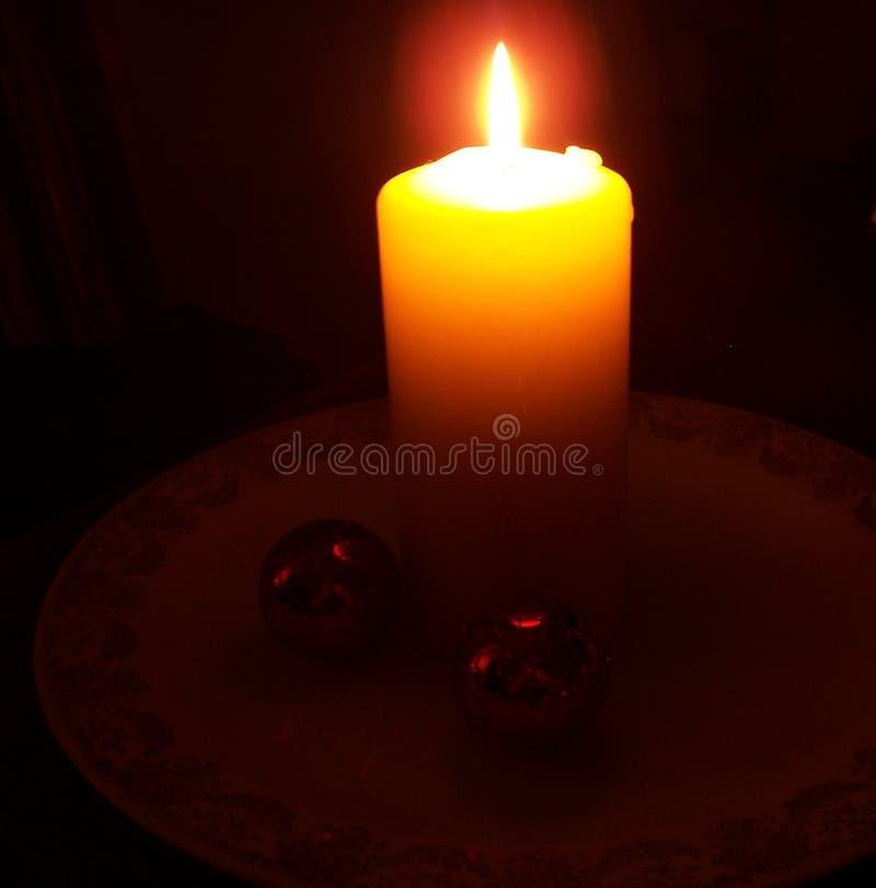 Download Kerze in der Schwärzung stockbild. Bild von platte, schwärzung - 47601