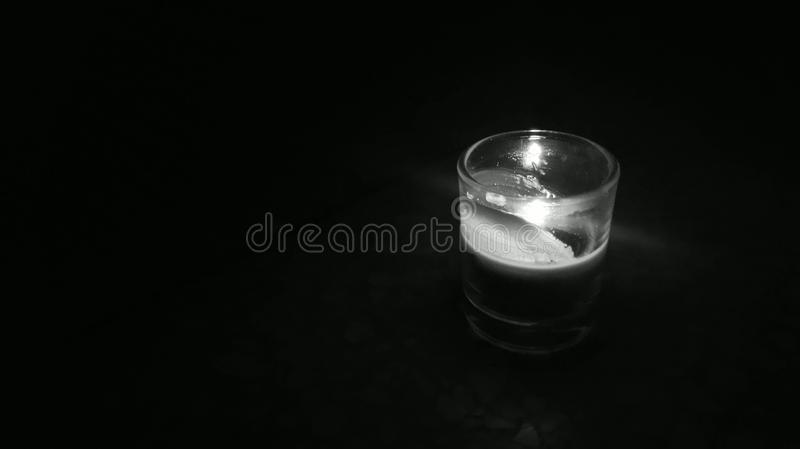 Kerze im Glas stockfoto