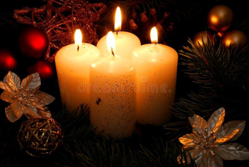 Kerze mit vier Weiß lizenzfreies stockfoto