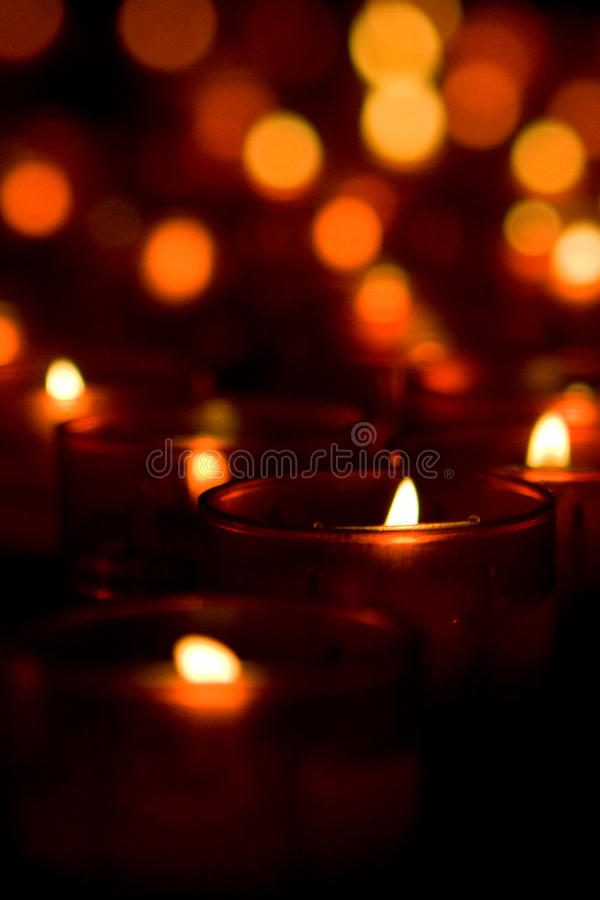 Kerzeleuchten lizenzfreie stockfotos