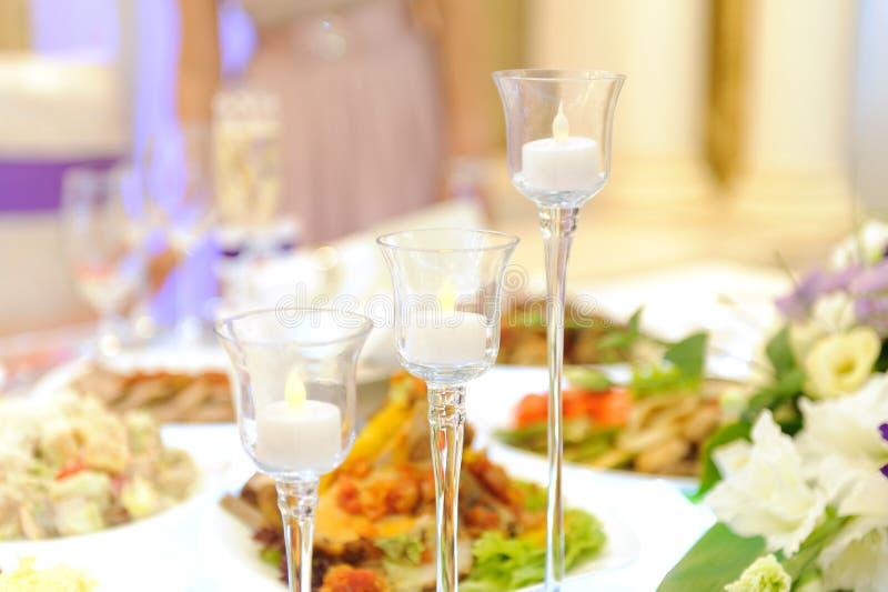 Kerzen-Gläser lizenzfreie stockbilder