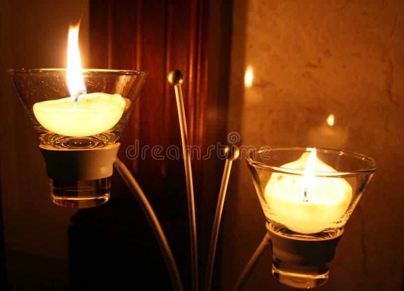 Kerzen und Kerzenhalter. stockfoto