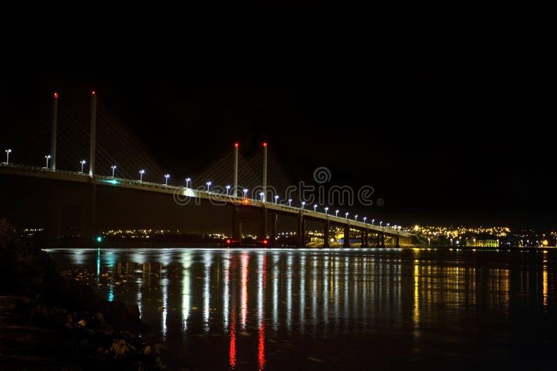 Kessock bro på natten royaltyfria foton