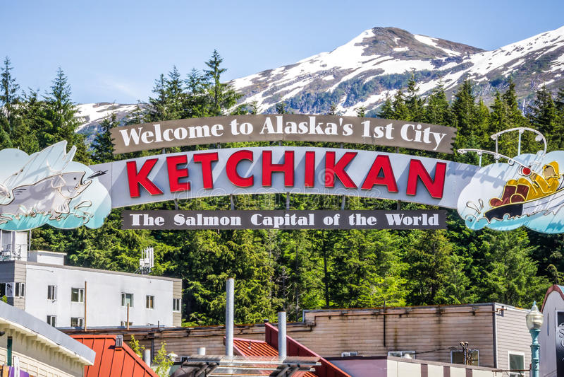 Ketchikan阿拉斯加欢迎到世界标志的三文鱼资本 库存图片