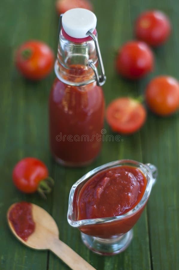 Ketchup caseiro fotografia de stock royalty free