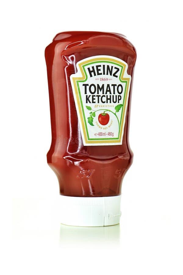 Ketchup de tomate de Heinz imagens de stock royalty free