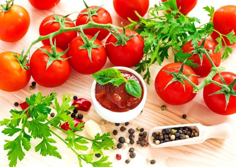 ketchup Tomatensaussalsa royalty-vrije stock foto