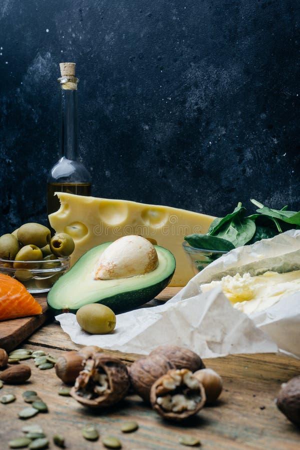 Ketogenic banta Feta produkter för låg carbshöjd Sund ätamat, fett för målplanprotein sund näring Keto-lunch royaltyfri bild