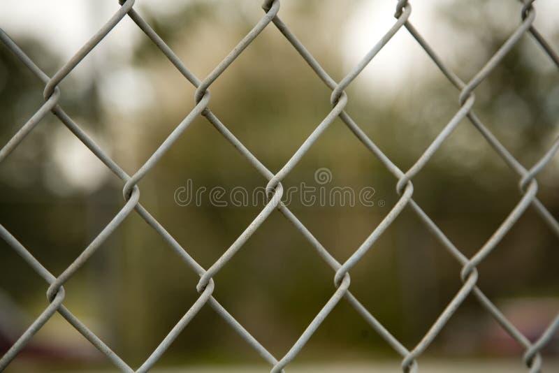 Kette gebundener Zaun stockfoto. Bild von kette, diamanten - 4005874