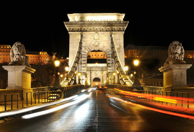 Kettenbrücke nachts, Budapest stockfotos