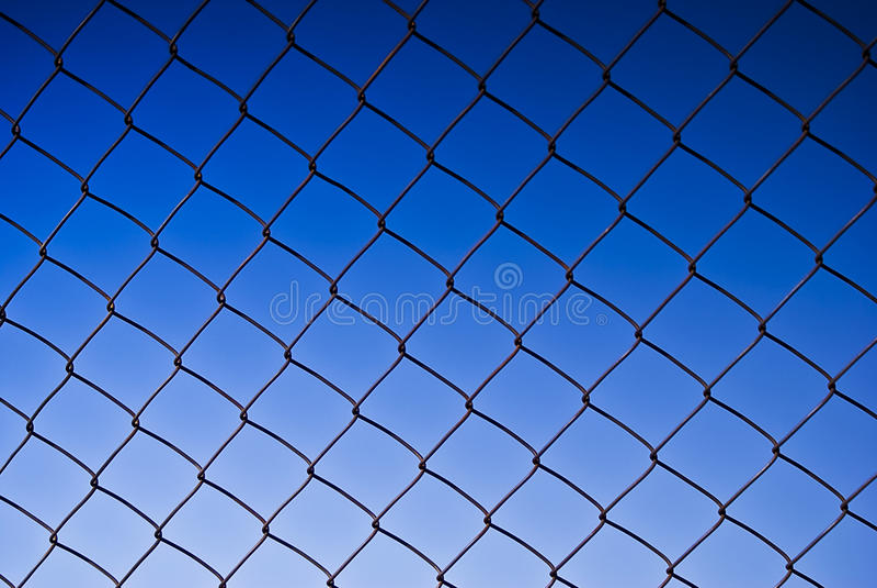 Kettenlink-Fechten lizenzfreie stockbilder