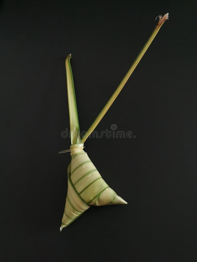 Ketupat - una comida tradicional en Asia sudoriental fotos de archivo