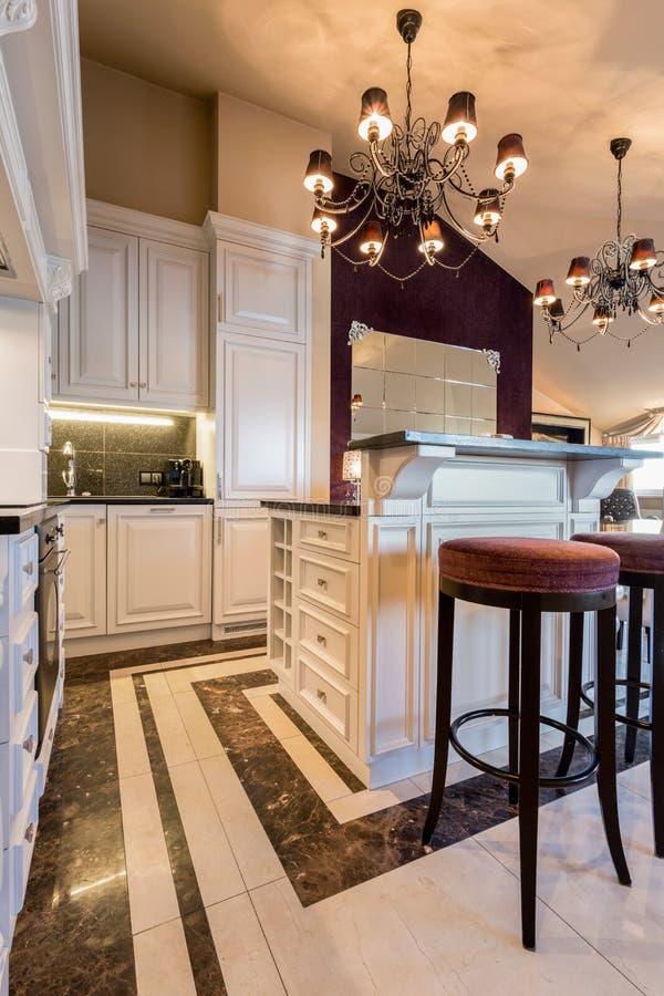 Keuken in barokke stijl stock afbeelding