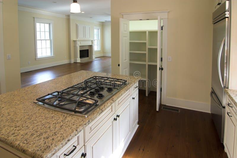 Keuken en woonkamer royalty-vrije stock afbeeldingen