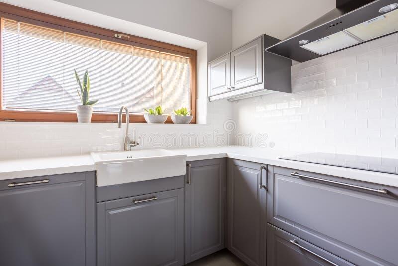 Keuken met luifel stock afbeeldingen