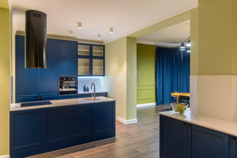 Keuken in moderne stijl royalty-vrije stock foto's