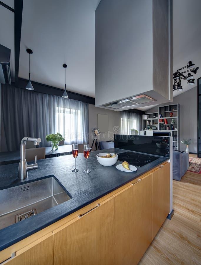 Keuken in moderne stijl royalty-vrije stock foto