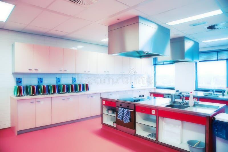 Keuken in universiteit HoReCa royalty-vrije stock afbeeldingen