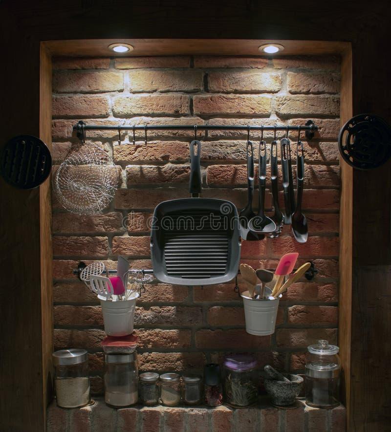 Keukenmuur met houten kader stock afbeeldingen