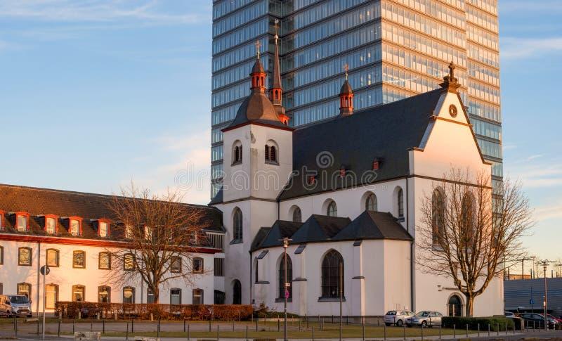 Keulen, Duitsland - Januari 20, 2017: Kerk van Oude St Heribert op de banken van de Rijn royalty-vrije stock afbeeldingen