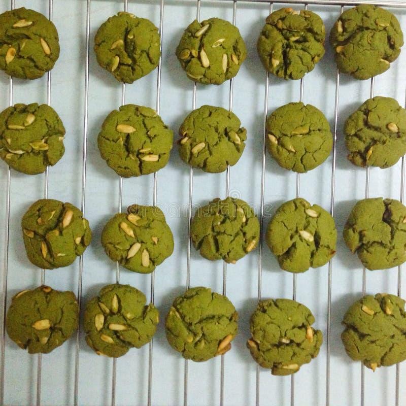 Kex för grönt te med mandeln arkivbild