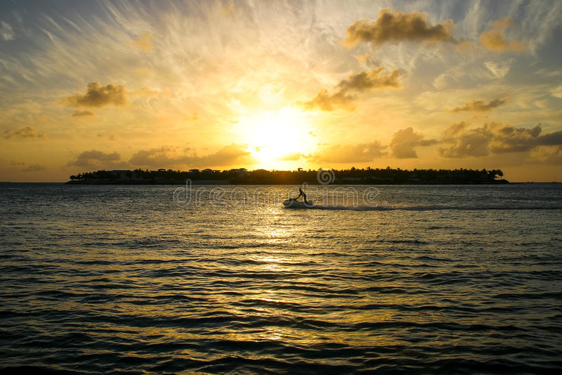 Key West-Zonsondergang over Zonsondergangsleutel royalty-vrije stock afbeeldingen