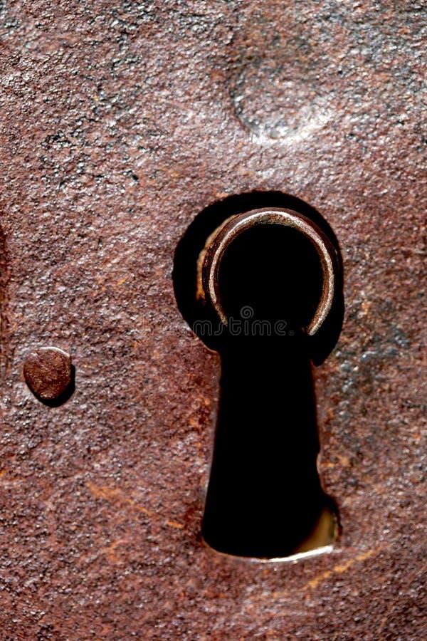 Keyhole w żelaznym drzwi fotografia royalty free