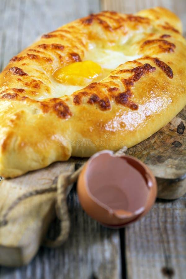 Khachapuri d'Adjara - tarte de fromage photos libres de droits