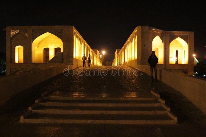 Khaju most w nocy obraz stock