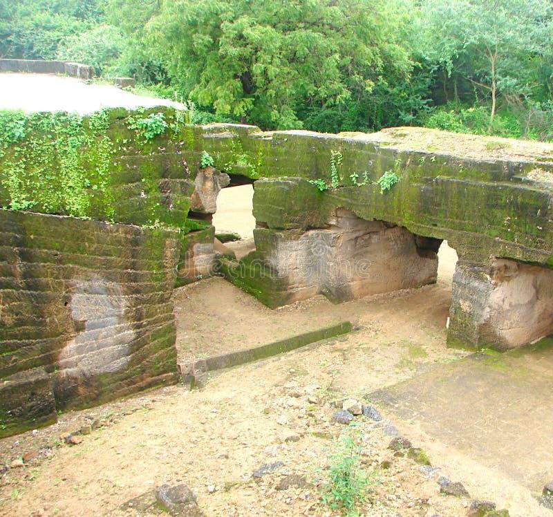 Khambhalida-Buddhist-Höhlen stockbilder
