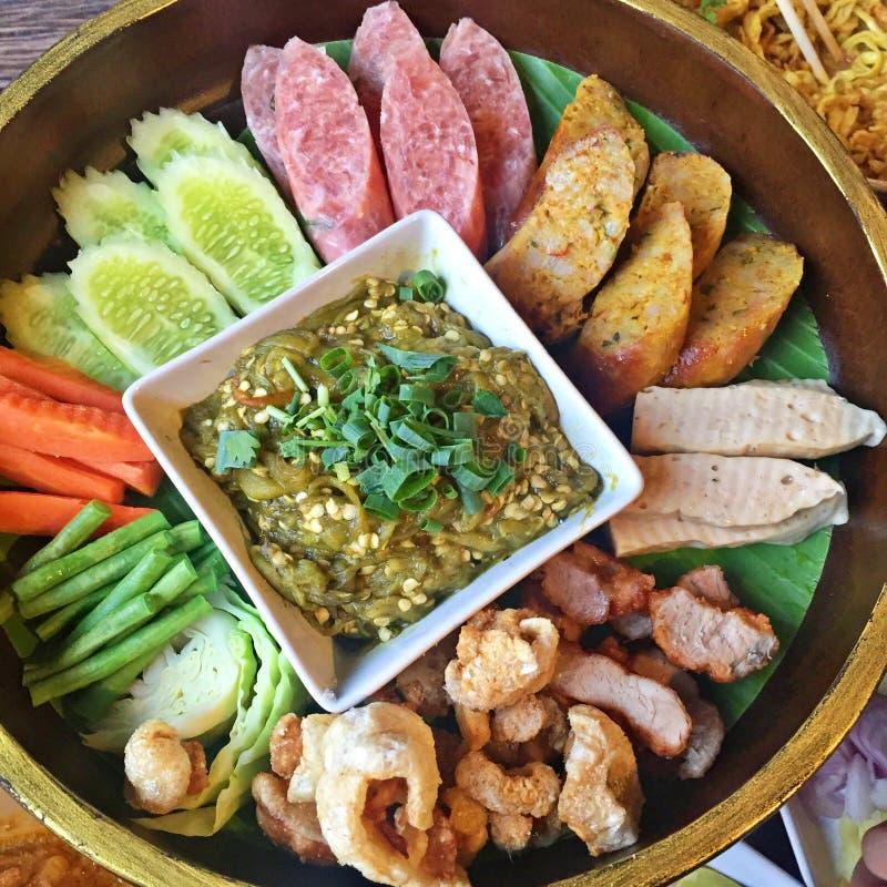 Khan-tok oder Khantoke, thailändisches Lebensmittel stockfoto