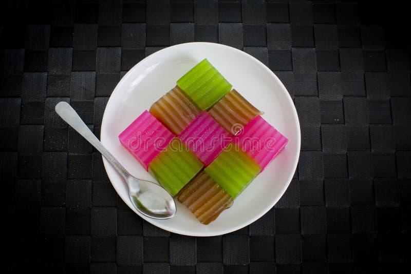 Khanom Chan eller thailändsk sweetmeat är en kind av den söta thailändska efterrätten arkivfoton