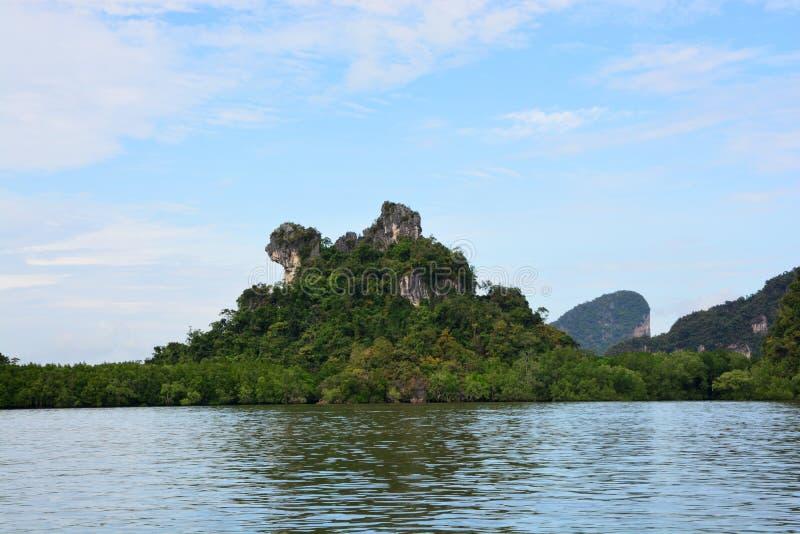Download Khao Maju Chow Mountain photo stock. Image du asie, palétuvier - 87708920