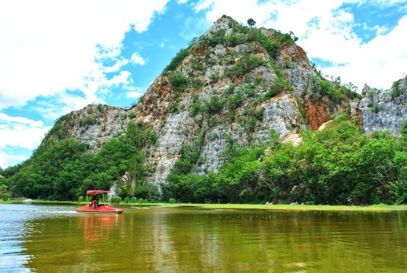 Khao Ngu岩石公园,泰国拉察布里 免版税库存照片