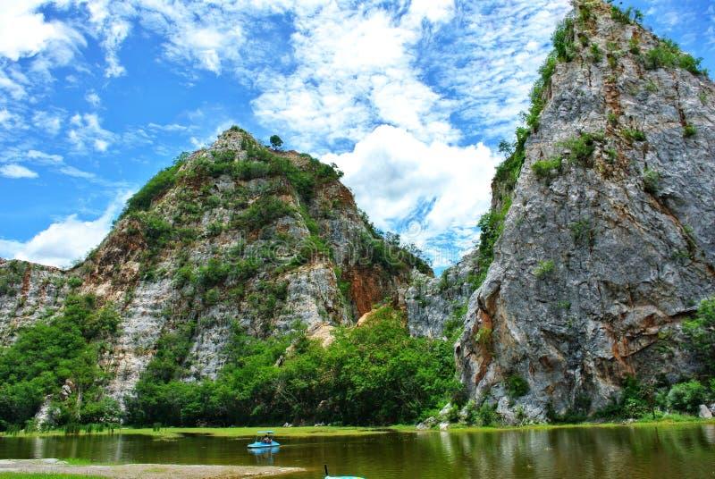 Khao Ngu Rock Park, Ratchaburi, Ταϊλάνδη στοκ φωτογραφίες με δικαίωμα ελεύθερης χρήσης
