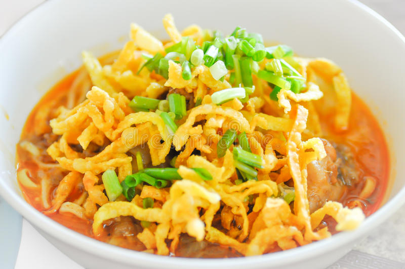 Khao Sawy, soupe thaïlandaise du nord à cari de nouille, nouille, soja de Khao photographie stock