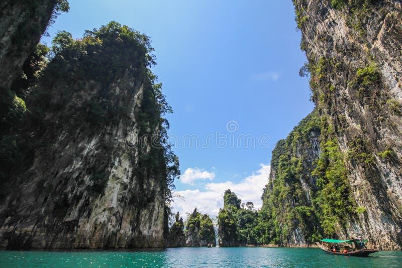 Download KHAO SOK国家公园Suratthani泰国 库存照片. 图片 包括有 视图, 旅行, 游人, 木头 - 59106118