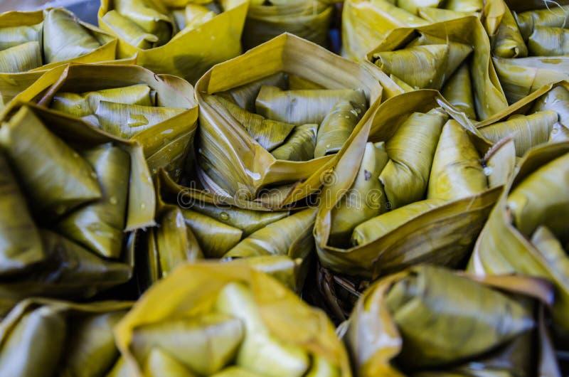 Khao Tom Szalenie banany z Kleistym Rice i być obrazy stock