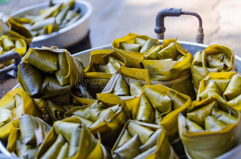 Khao Tom Szalenie banany z Kleistym Rice i być zdjęcia royalty free