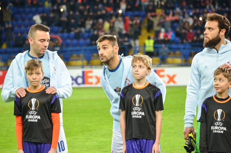KHARKIV UKRAINA - FEBRUARI 23: Fotbollsspelare FC Celta under royaltyfri bild